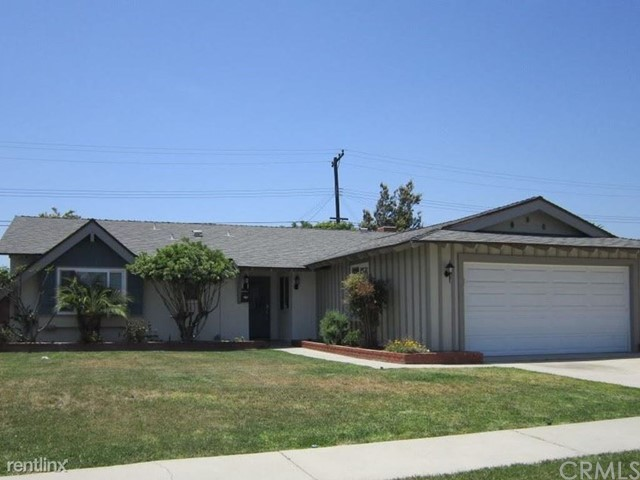 Nice single family residence built in 1960 that features 3 bedrooms, 2 bath with 2 car garage, large kitchen. Living space of 1,334 sqft and lotsqft 6,299. Home is commuter friendly with 60 and 605 fwy. Schools, parks, and services 2-3 miles.