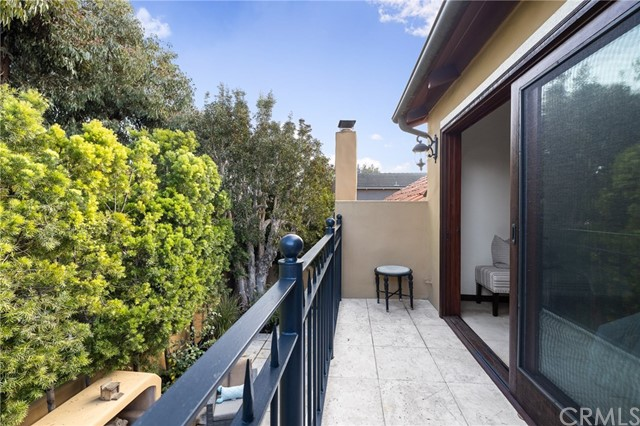 44 Village Circle, Manhattan Beach, California 90266, 3 Bedrooms Bedrooms, ,1 BathroomBathrooms,For Sale,Village,SB20200171