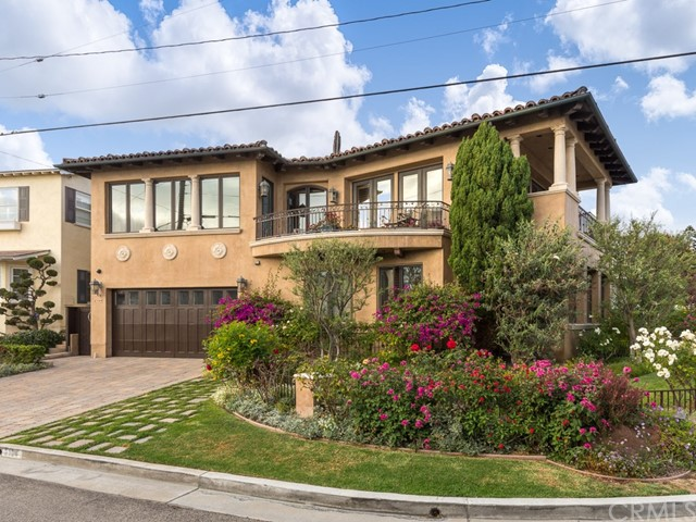 2104 Circle Drive, Hermosa Beach, California 90254, 5 Bedrooms Bedrooms, ,6 BathroomsBathrooms,For Sale,Circle,SB20134212