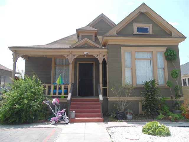 2048 Cambridge Street, Los Angeles, CA 90006