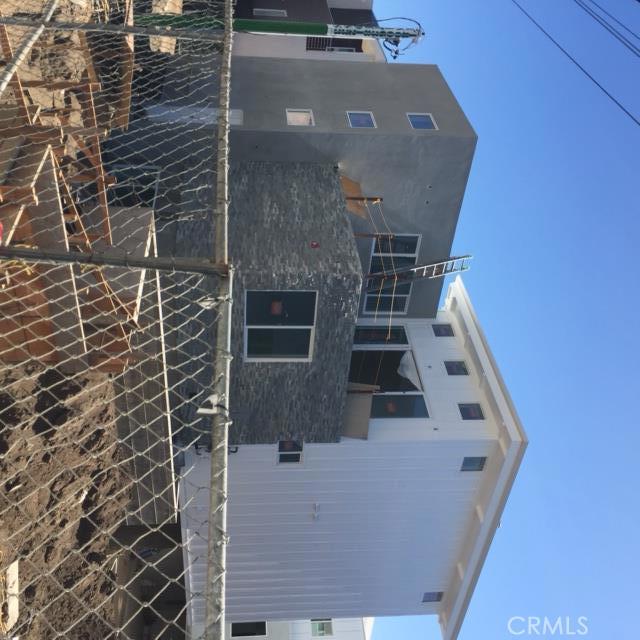 229 Sapphire B, Redondo Beach, California 90277, 4 Bedrooms Bedrooms, ,3 BathroomsBathrooms,For Sale,Sapphire,SB16141590