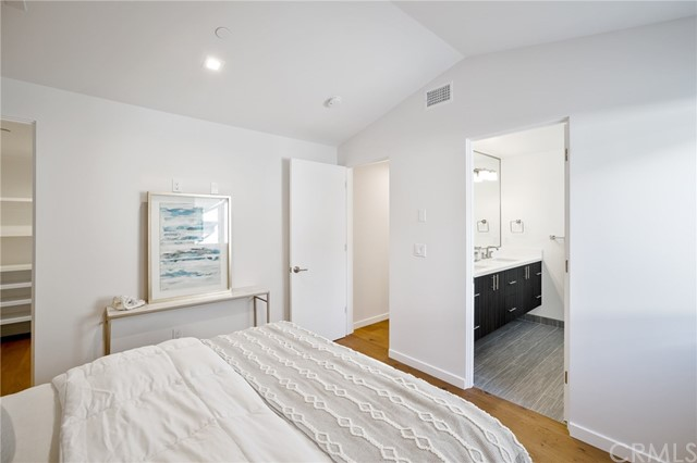 1827 11th, Manhattan Beach, California 90266, 2 Bedrooms Bedrooms, ,1 BathroomBathrooms,For Sale,11th,SB20175266