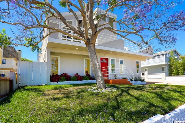 1136 11th Street A, Manhattan Beach, California 90266, 4 Bedrooms Bedrooms, ,2 BathroomsBathrooms,For Sale,11th,320001910