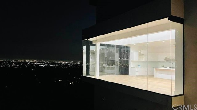 Magnificent Residence with Spectacular View!