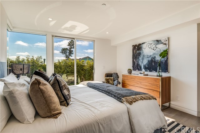 810 Esplanade C, Redondo Beach, California 90277, 3 Bedrooms Bedrooms, ,2 BathroomsBathrooms,For Sale,Esplanade,SB19198426