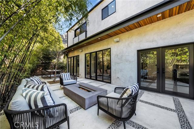 52. 2743 Laurel Canyon Boulevard Los Angeles, CA 90046