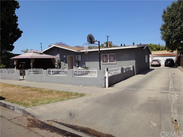 1818 Cedar Street, Santa Ana, CA 92707