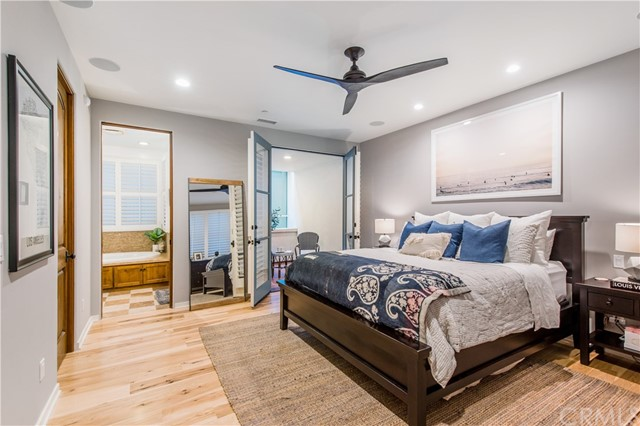 Welcome to this well appointed Master Suite located on the entry/main level.