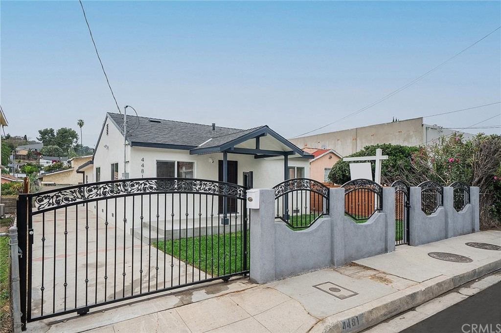 4481     Huntington Drive S, Los Angeles CA 90032