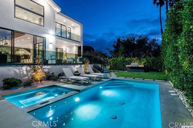 1837 9th Street, Manhattan Beach, California 90266, 5 Bedrooms Bedrooms, ,5 BathroomsBathrooms,For Sale,9th,320002732