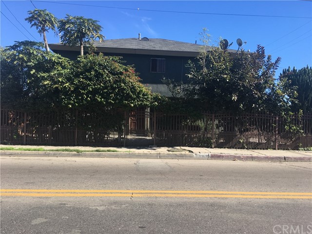 11420 Compton Avenue, Los Angeles, CA 90059