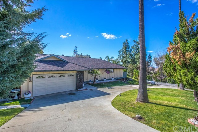 28755 Live Oak Road, Highland, CA 92346
