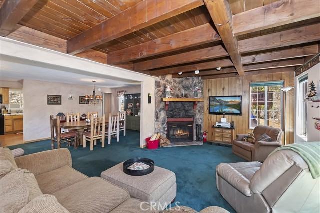 701 Oak Knoll Dr, Green Valley Lake, CA 92341 Photo 3