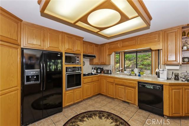 22264 Glenwood Drive, Crestline, California 92325, 4 Bedrooms Bedrooms, ,2 BathroomsBathrooms,Residential,For Sale,Glenwood,EV21159827