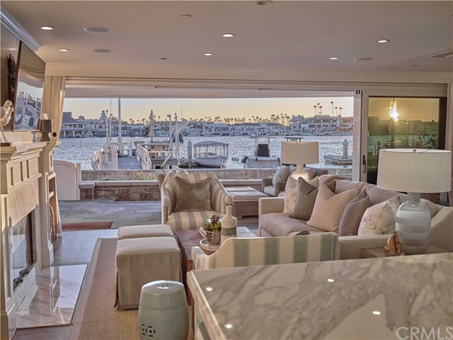 Photo of 518 S Bay Front, Newport Beach, CA 92662