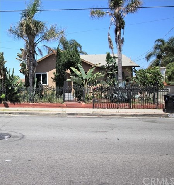 1307 N Neptune Avenue, Wilmington, CA 90744