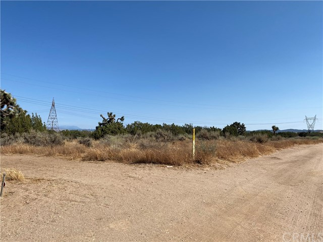 8589 Aster Rd, Oak Hills, CA 92344 Photo 8