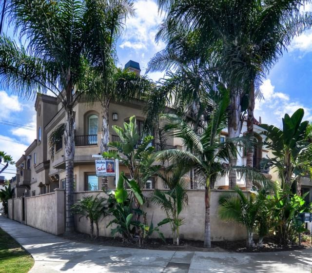 228 6th Street, Huntington Beach, California 92648, 3 Bedrooms Bedrooms, ,4 BathroomsBathrooms,For Sale,6th,OC13168974