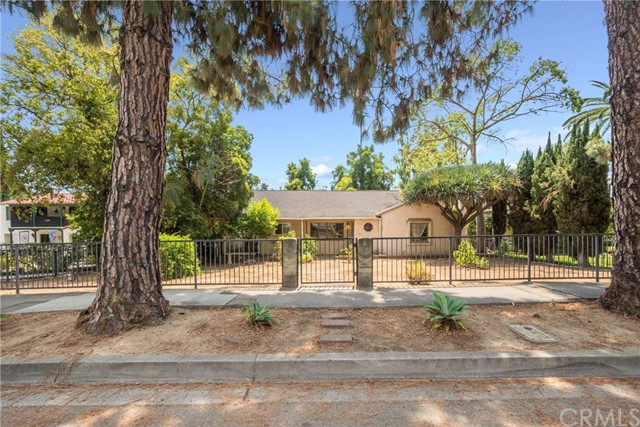 Photo of 634 W Highland Avenue, Sierra Madre, CA 91024