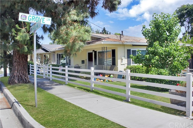 372 W Highland Avenue, Sierra Madre, CA 91024