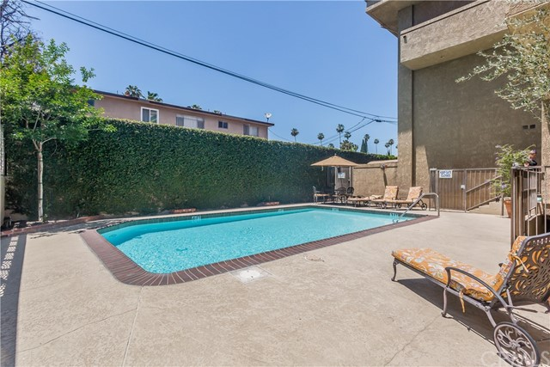 221 S Oak Knoll Av, Pasadena, CA 91101 Photo 33