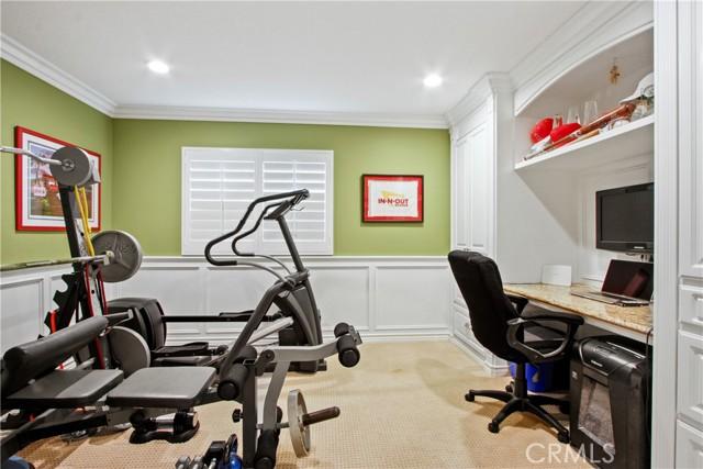 Downstairs bedroom/ office