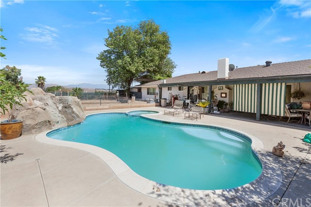 16220 Via Rancho