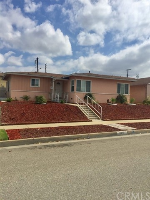 2219 W 115th Street, Hawthorne, CA 90250