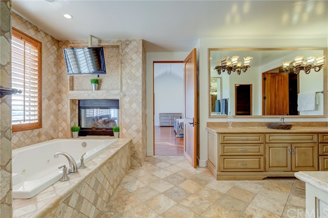 1826 6th Street, Manhattan Beach, California 90266, 5 Bedrooms Bedrooms, ,6 BathroomsBathrooms,For Sale,6th,PV21001111