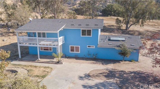 38512 Pepperweed Road, Squaw Valley, CA 93675