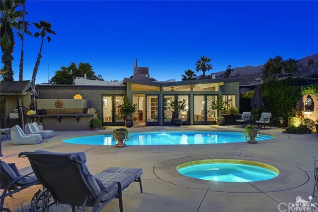 240 W Crestview Drive, Palm Springs, CA 92264