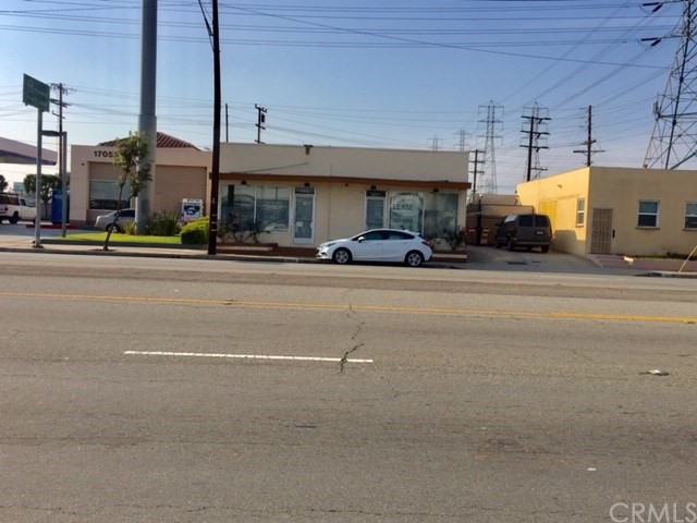 17041 Lakewood Boulevard, Bellflower, CA 90706