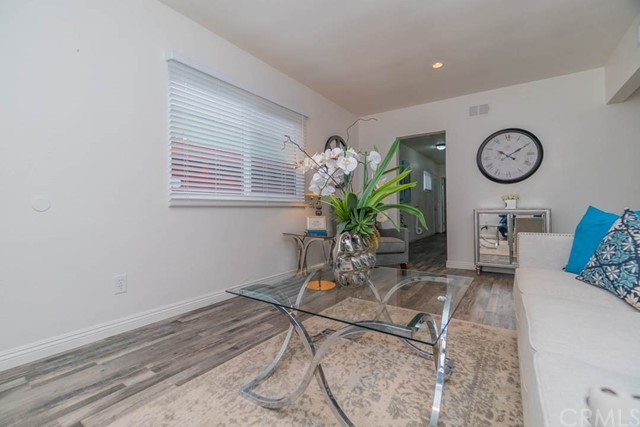 1733 34th Street, Long Beach, California 90810, 3 Bedrooms Bedrooms, ,2 BathroomsBathrooms,Single family residence,For Sale,34th,PW19016583