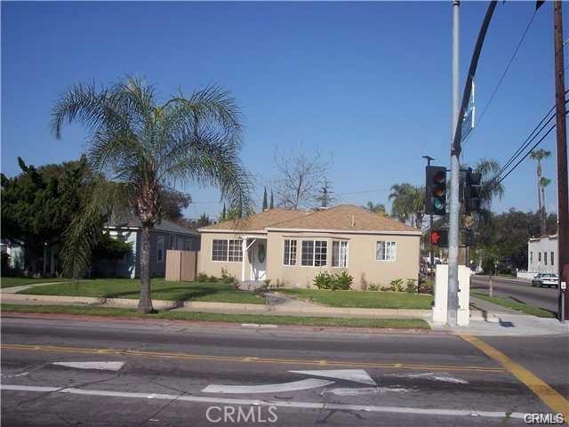 1102 S Broadway, Santa Ana, CA 92707