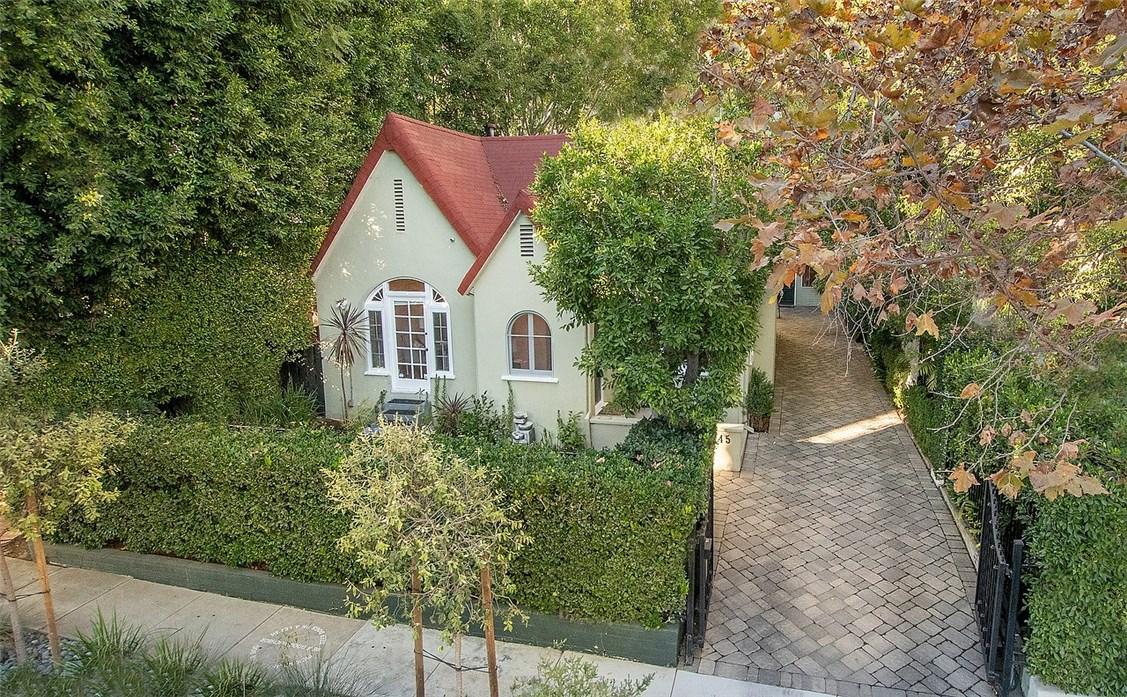 9045 Elevado St, West Hollywood, CA 90069