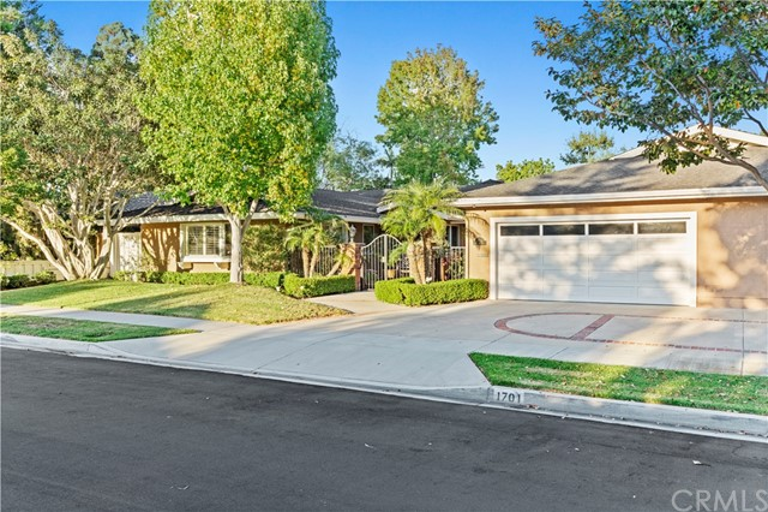 1701 Starlight Circle, Newport Beach, CA 92660