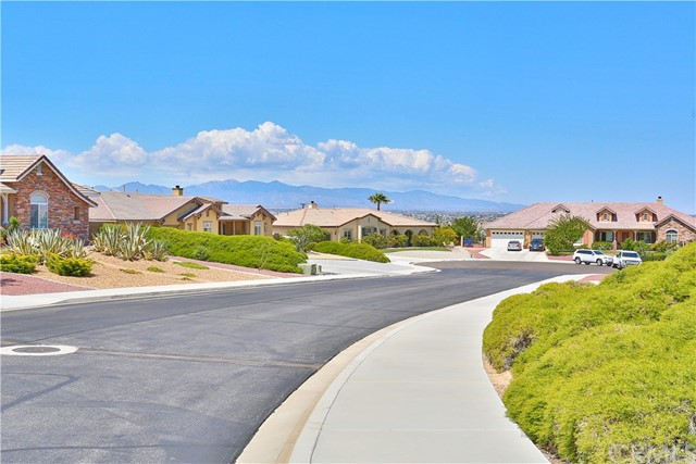 20223 Pippin Court, Apple Valley, CA 92308