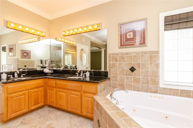 31199 Kahwea Rd, Temecula, CA 92591 Photo 13