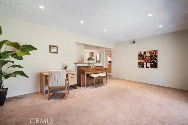 14. 23800 Tiara Street Woodland Hills, CA 91367