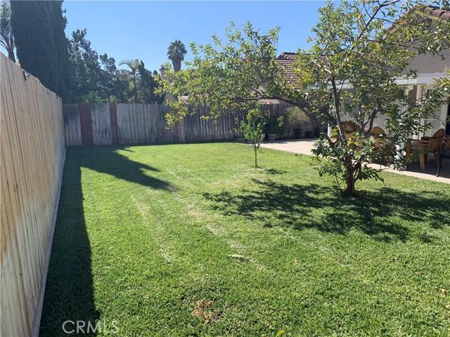 11473 Homewood Place, Fontana CA: https://media.crmls.org/medias/6f57cb70-6987-4a8f-b185-d257de8bac00.jpg