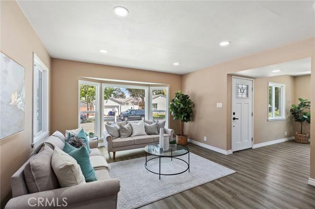 4. 4112 Camerino Street Lakewood, CA 90712