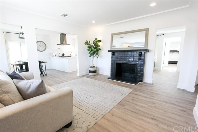 Image 4 of 5743 Chesley Ave, Los Angeles, CA 90043