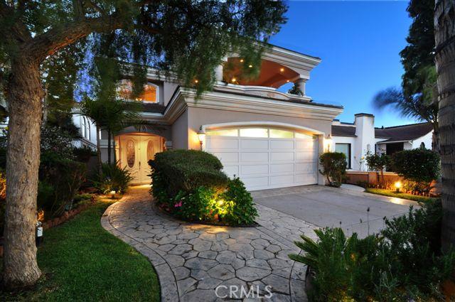 700 Avenue B, Redondo Beach, California 90277, 5 Bedrooms Bedrooms, ,4 BathroomsBathrooms,For Sale,Avenue B,V12060810