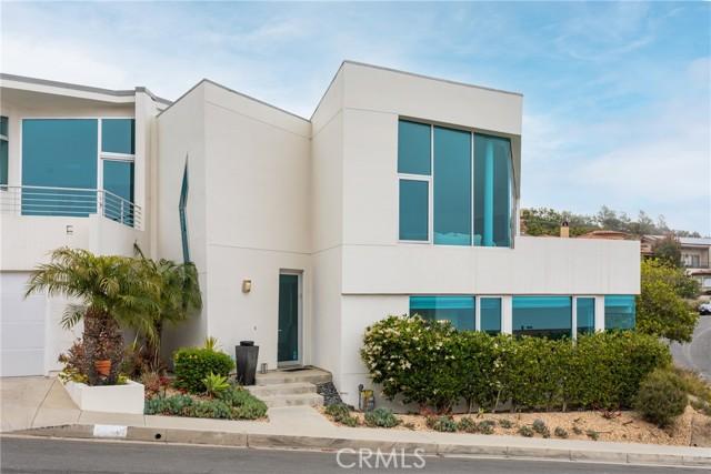 22. 600 LORETTA Drive Laguna Beach, CA 92651