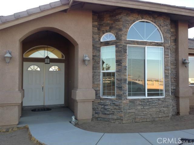 8110 Heartland Cr, Oak Hills, CA 92344 Photo