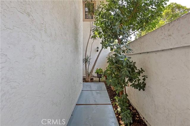 6539 Calle Valperizo, Carlsbad, CA 92009 Photo 1