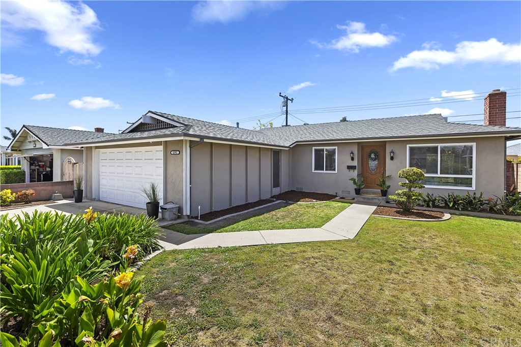 6392     Harvard Circle, Huntington Beach CA 92647