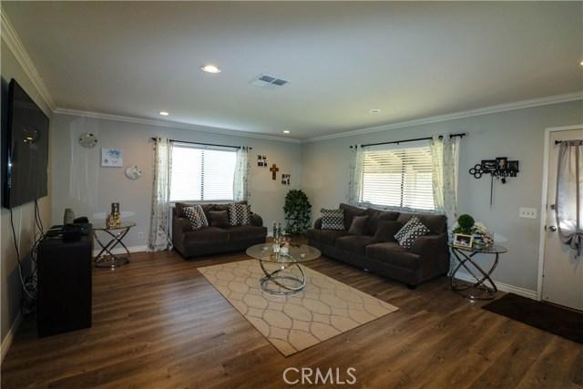 2555 W Avenue M4, Palmdale, CA 93551