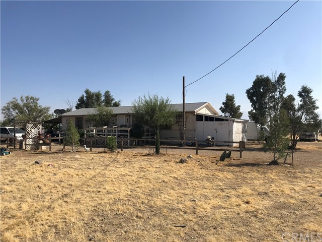 33343 Circle C Rd, Lucerne Valley, CA 92356 Photo