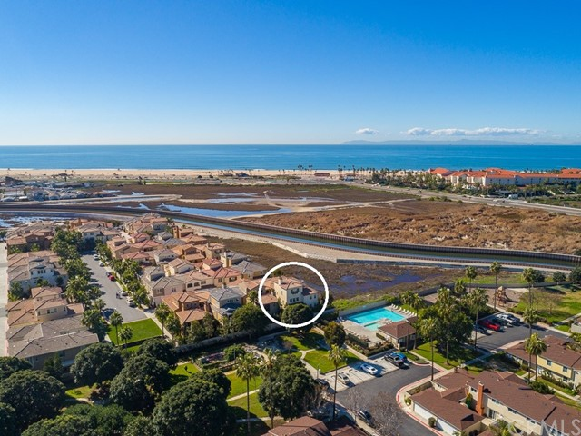 21391 Abigail Ln, Huntington Beach, CA 92646